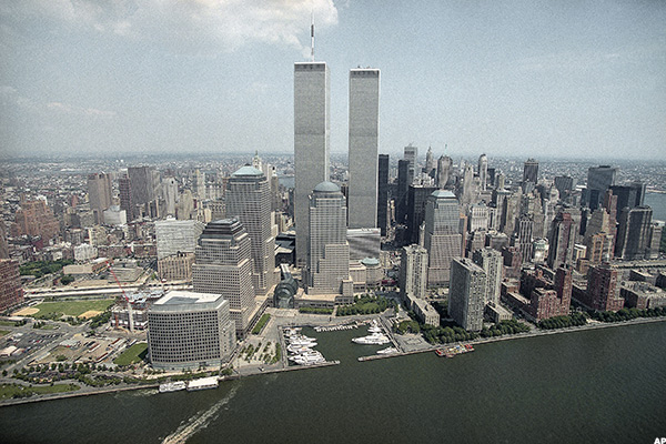 On 9/11, 12 Before and After Photos Depicting the World Trade Center on world map china center, 911 tribute center, shanghai trade center, 9 11 memorial center, the grove shopping center, 2001 trade center, 9 11 trade center, dispatch center,