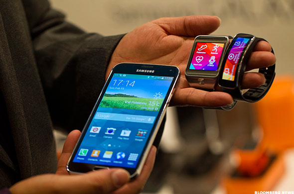 Samsung Releases Galaxy S5, New Smartwatches
